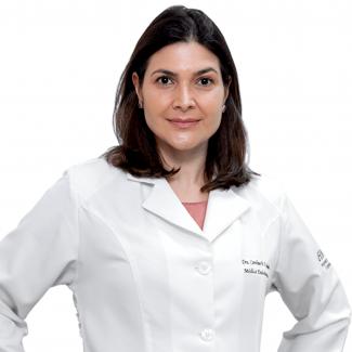 Dra. Caroline M.F. Maniglia